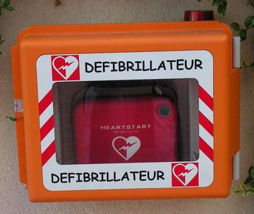 defibrillateur comic sans