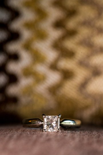 Macro photo of an engagement ring Photo - Daniel Sone Photography