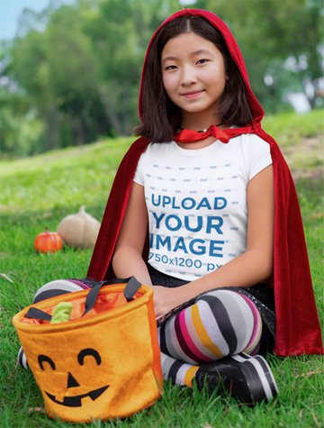 T-Shirt Mockup of a Girl with a Halloween Costume