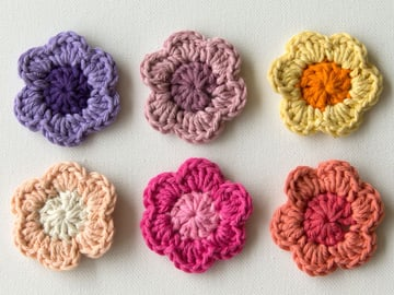 Finished crochet flowers top view