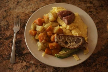 Scrambled eggs toast and sausage