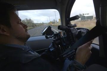 Using an external monitor on a gimbal inside a car