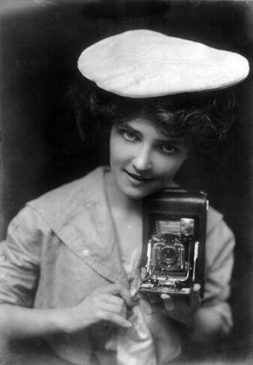 The Kodak Girl 1909