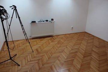 Image 1 The hardwood floor