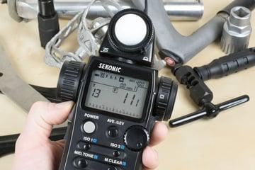 Using a hand-held incident meter