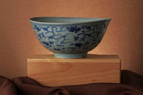 Dramtic lighting of antique bowl