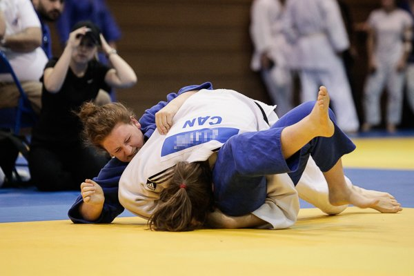 Wrestling photo demonstrating being trapped