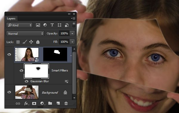 Remove the blur from her eyes with the Smart Filter Mask