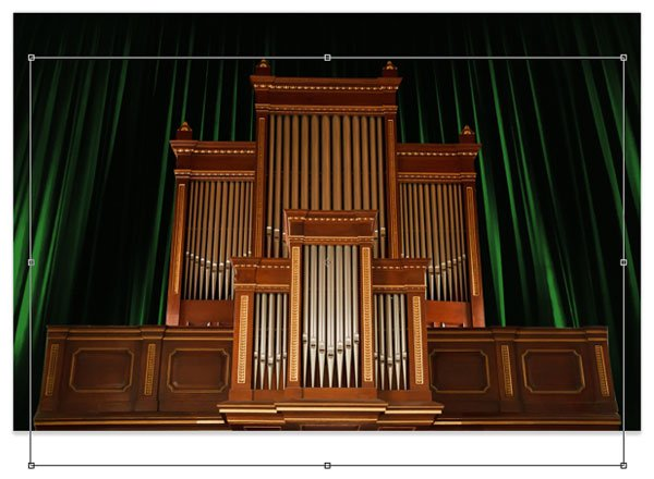 Paste the organ into the throne room file