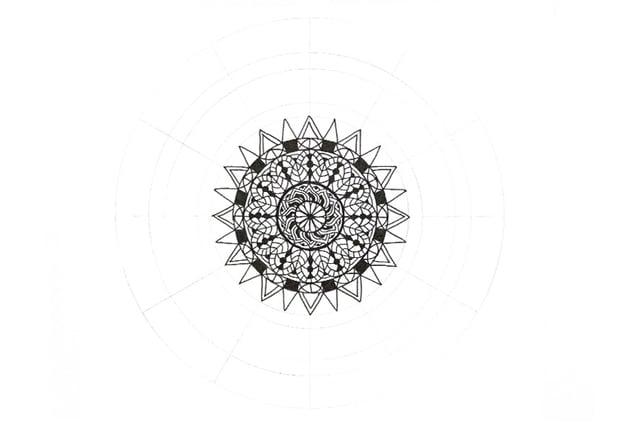 mandala triangle decoration