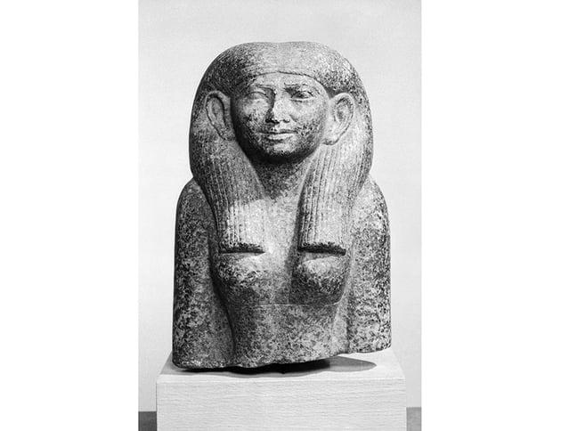 Head and Torso of a Noblewoman ca 18441837 BCE