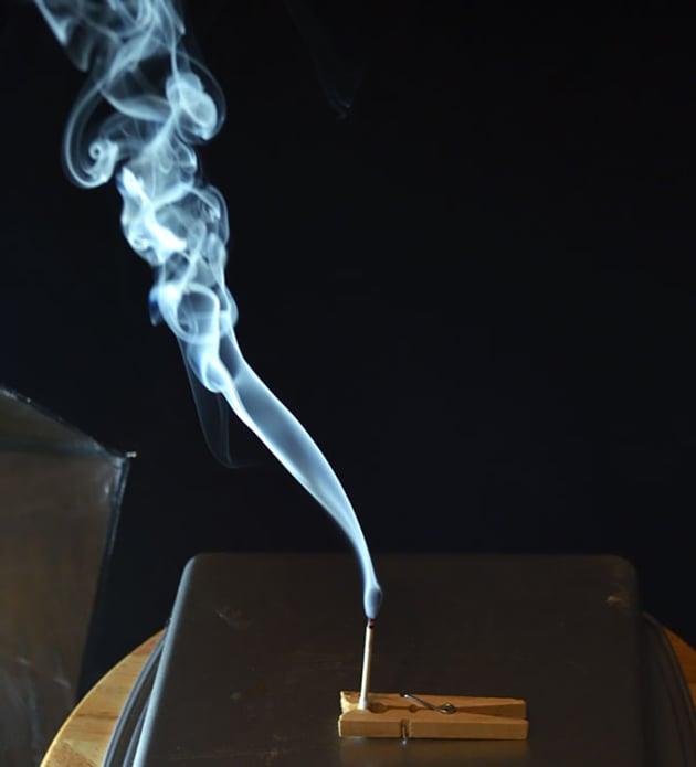 extinguish flame