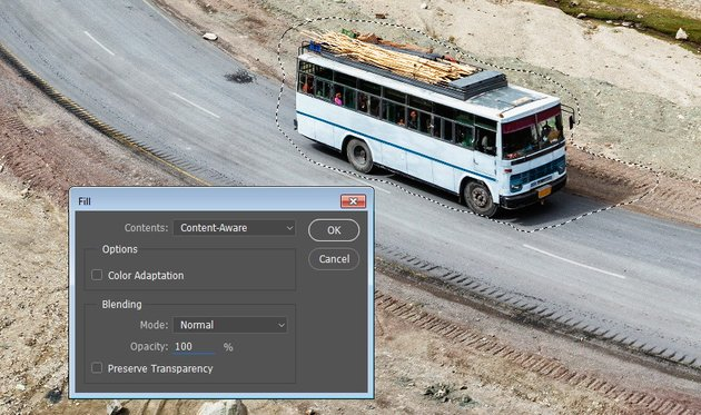 Remove the bus automatically using Content Aware Fill feature