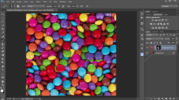 Mask Out the Layer to Create Seamless Pattern
