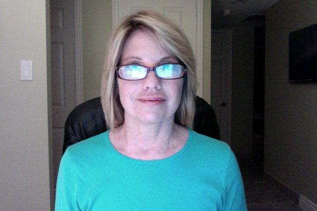 Eyeglasses with reflection