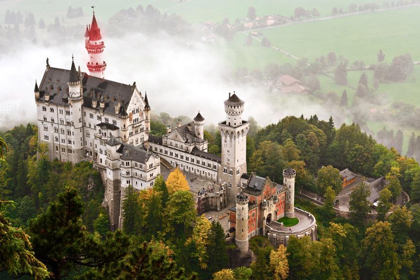 neuschwanstein castle watchtower