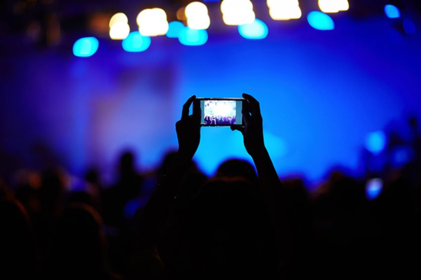 Recording a live music performance with a smartphone camera