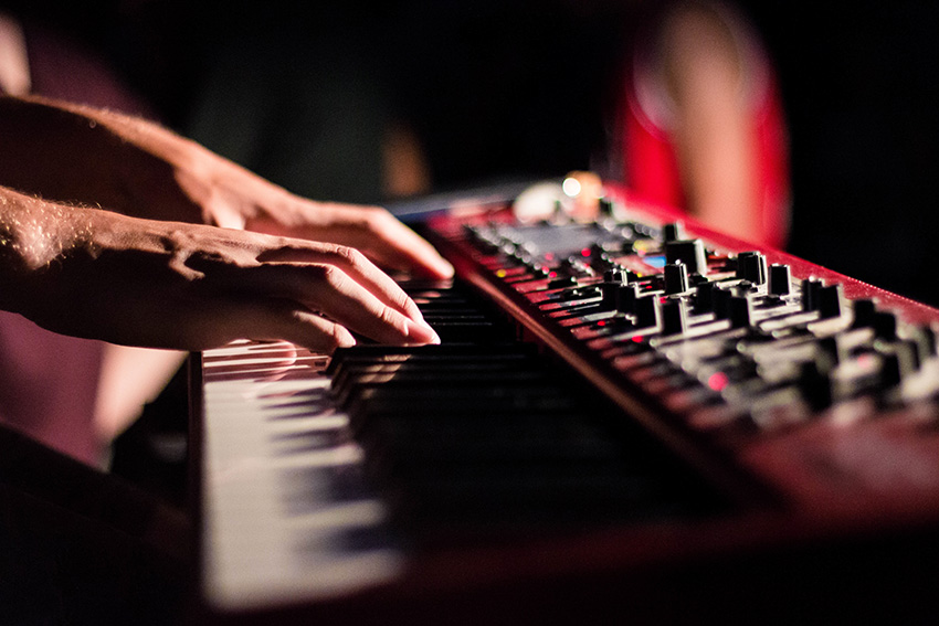 Electronic music requires less use of compression