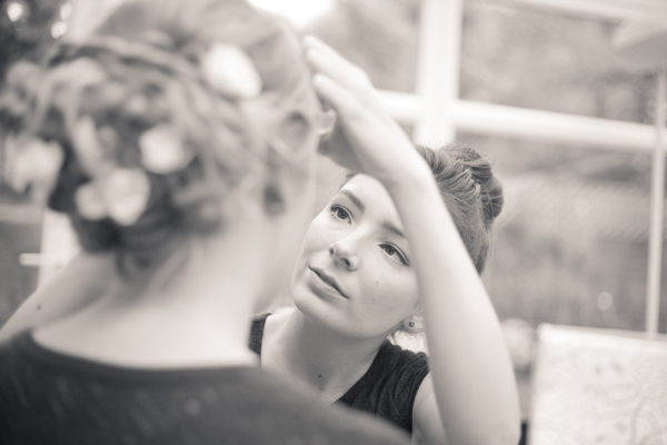Applying make-up before the wedding ceremony