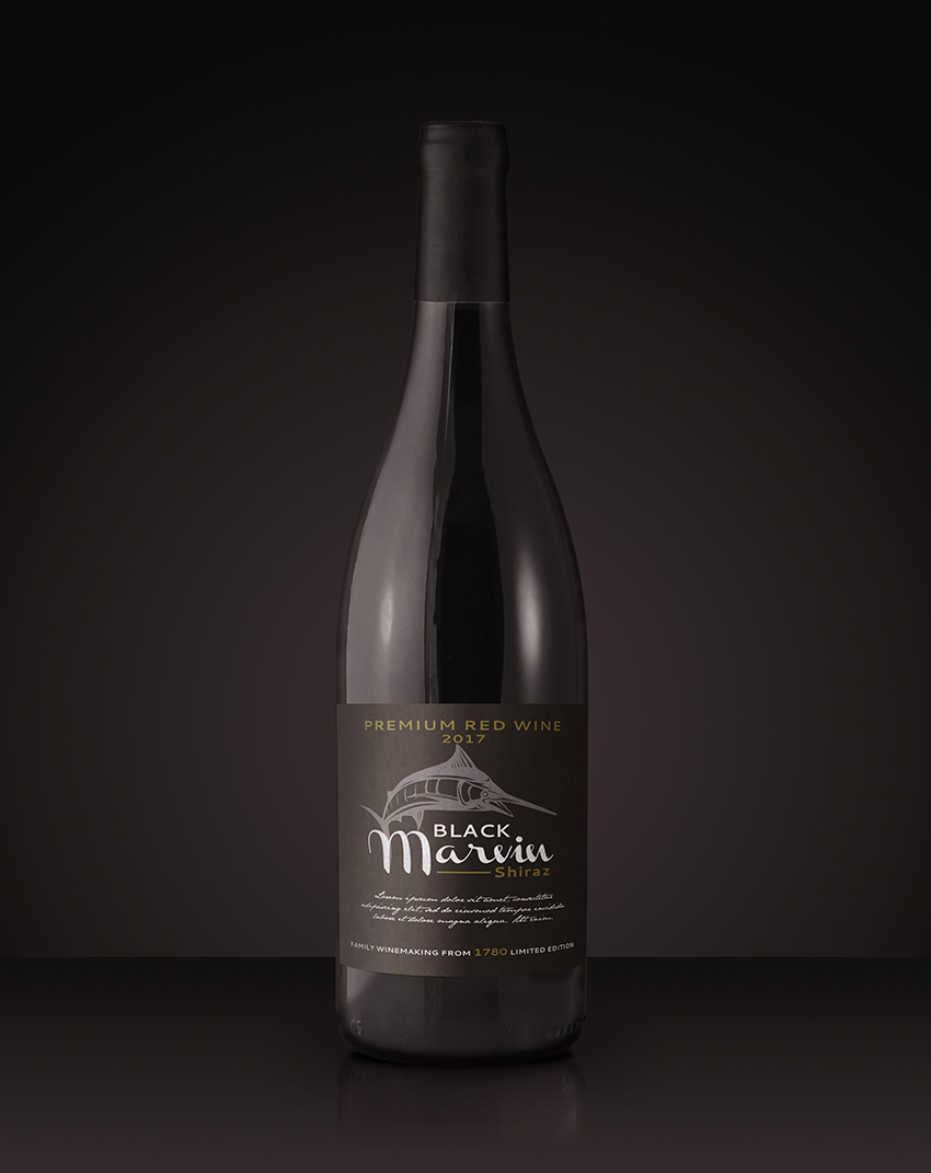 How to Create a Realistic Wine-Bottle Mockup Template in