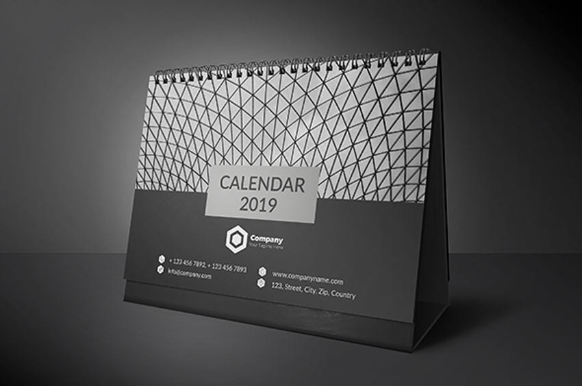 Minimal Desk Calendar InDesign