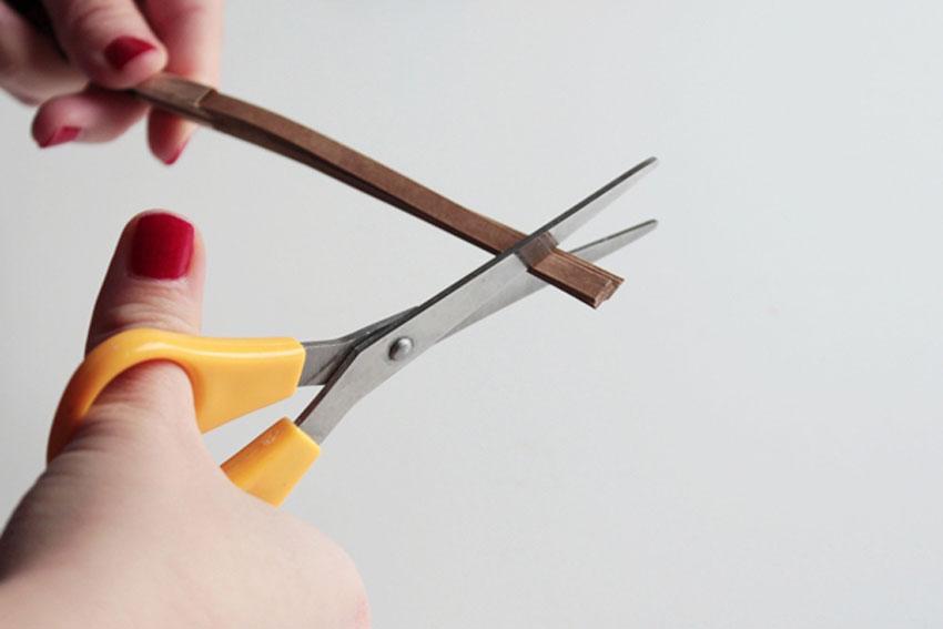 trim paper cracker snaps