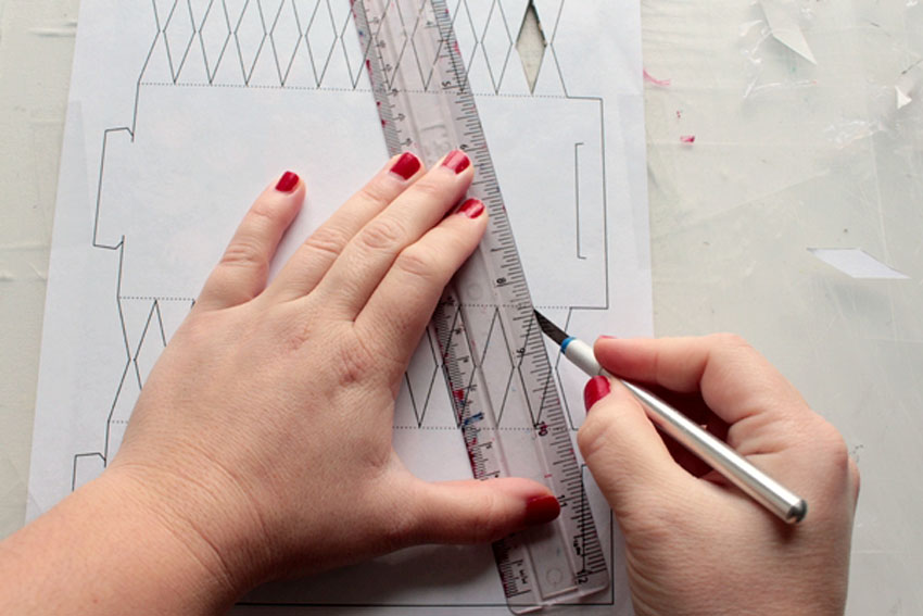 cutting out christmas cracker pattern