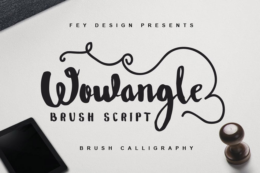 Wowangle - Brush Font