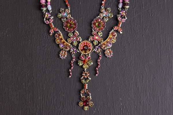 Necklace photographed without a reflector