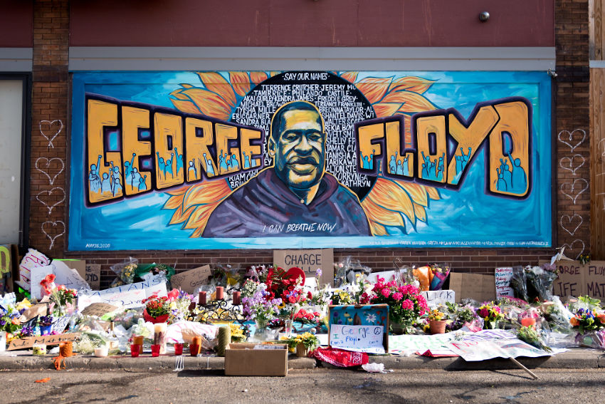 George Floyd memorial mural outside Cup Foods at Chicago Ave and E 38th St in Minneapolis, Minnesota