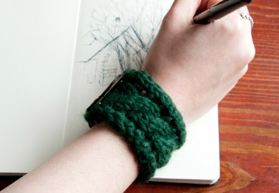 Preview%20knitting bracelet final01 lg