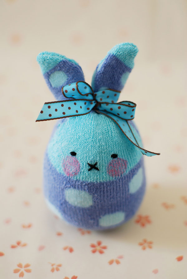 How could you not love the gift of a super adorable little bunny? From the reactions of the children I've shown, these bunnies are sure to be a big hit.