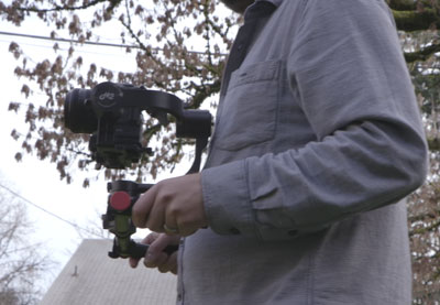 How to use a gimbal minimizing motion thumb