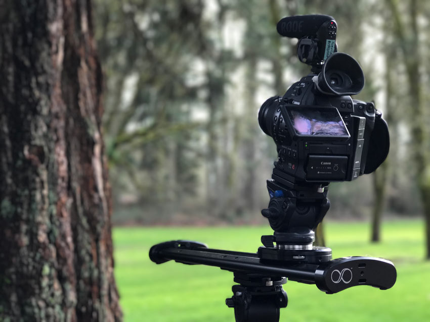 Camera on a slider for a push-pull shot