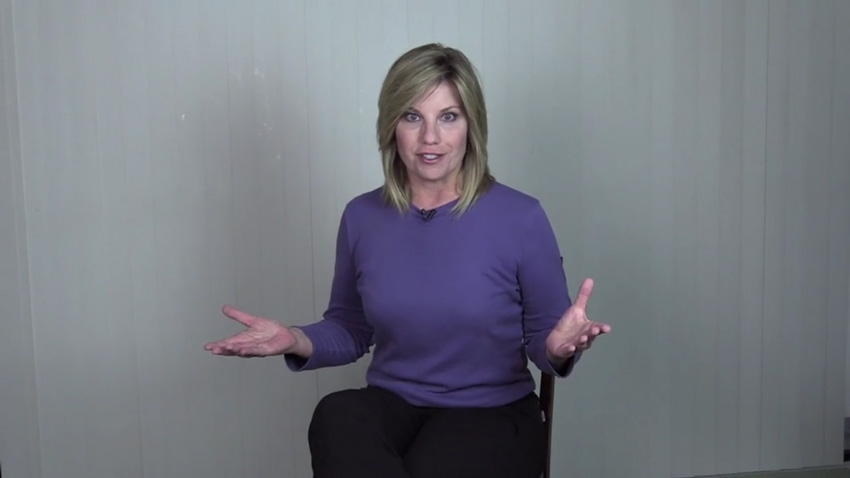 Body Language on Camera: How to Communicate With Posture and Gestures