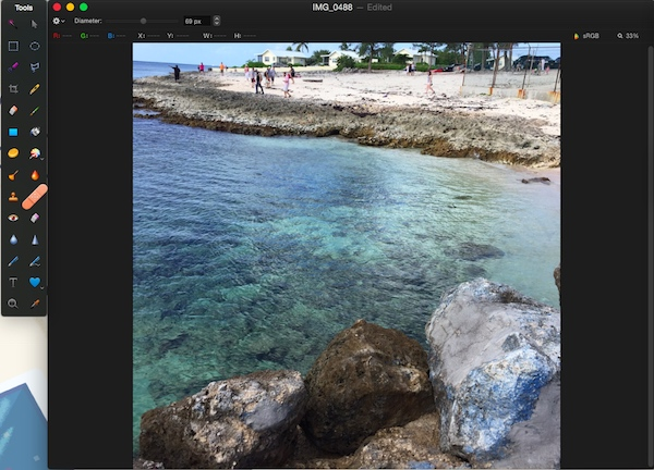 Using the repair tool in Pixelmator