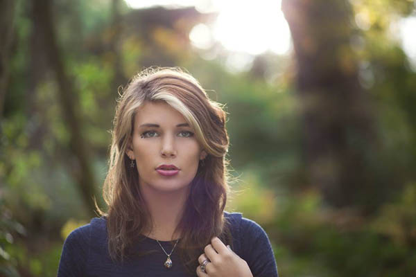 How To Use Environmental Lighting Sources For Natural Portraiture