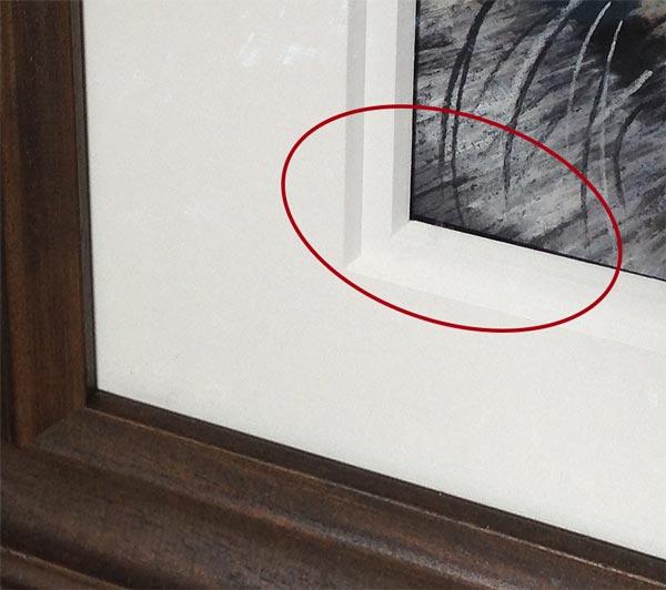Clean frame corner
